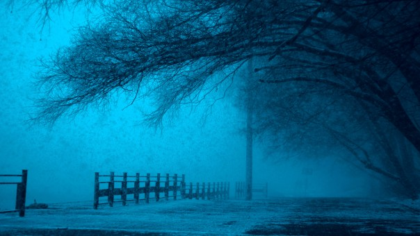 winter_moscow_russia_center_christmas_strong_snowfall_dark-434839